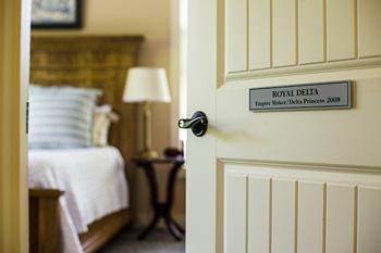 RoyalDelta-Room.door